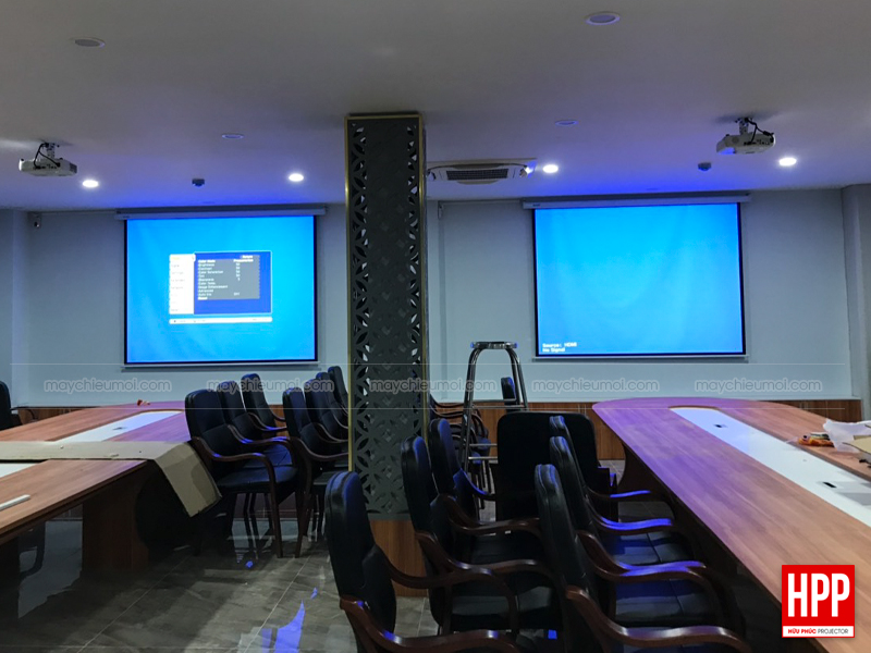 Lắp đặt máy chiếu màn chiếu tại Bình Dương - Hữu Phúc Projector