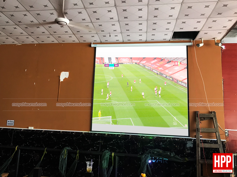 Hữu Phúc Projector lắp máy chiếu Optoma PX390 chiếu bóng đá