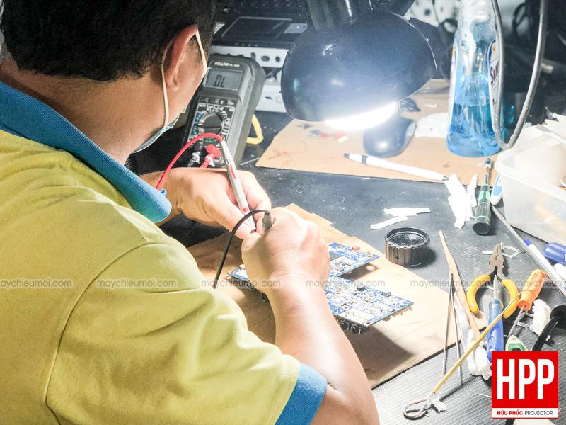 Sửa chữa máy chiếu tại Bình Dương giá rẻ Hữu Phúc Projector