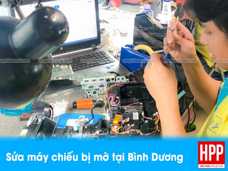 Sửa máy chiếu bị mờ tại Bình Dương uy tín giá rẻ